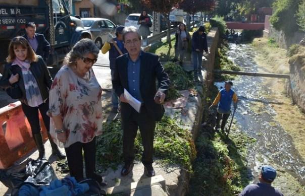 Alcaldesa Virginia Reginato, limpieza cauce